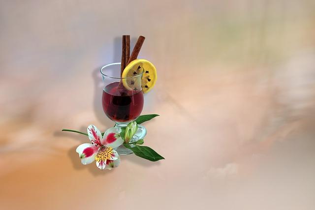 svařené víno s citronem